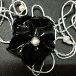 fleur noire detail